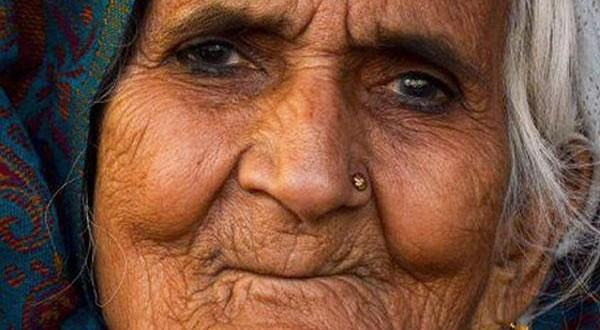 """بلقيس """"جدة"""" المتظاهرين الهنود في قائمة مجلة تايم للشخصيات الأكثر تأثيرا بالعالم"""